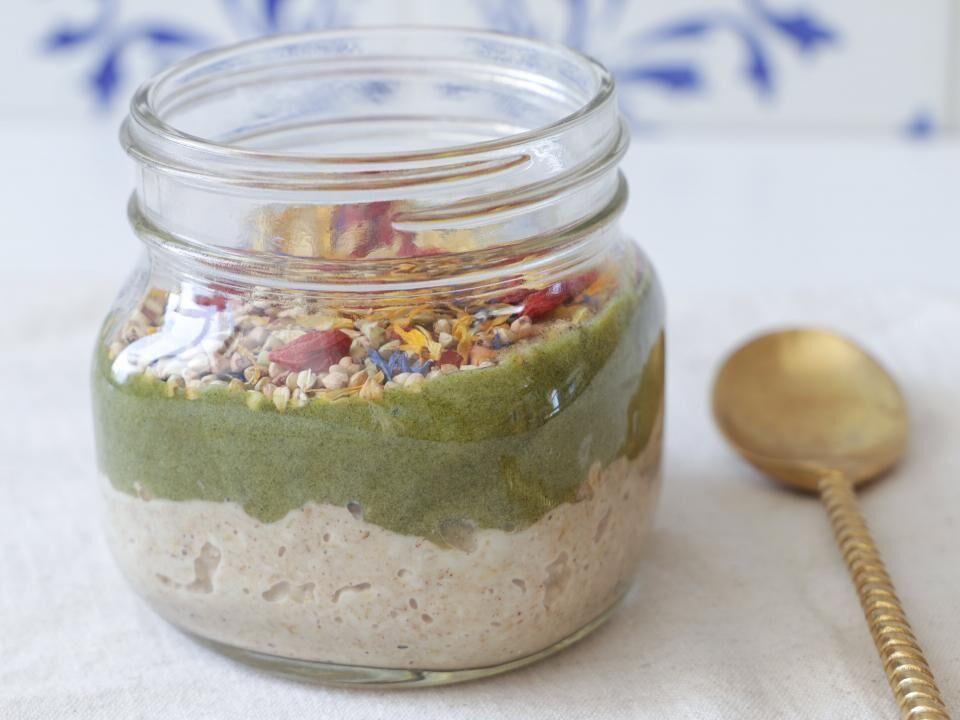 Haferflocken Superfood Bowl im Glas to go